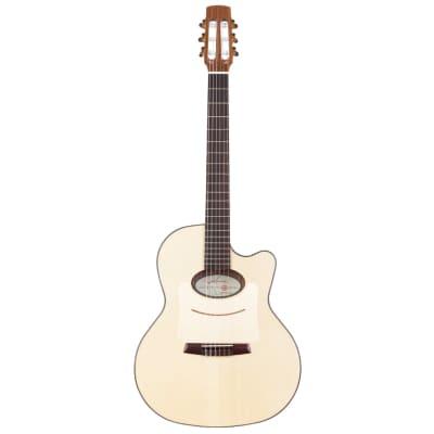 Kremona Lulo Reinhardt Daimen Classical Guitar