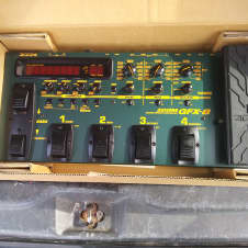 Zoom  GFX-8  ?  Black / Green