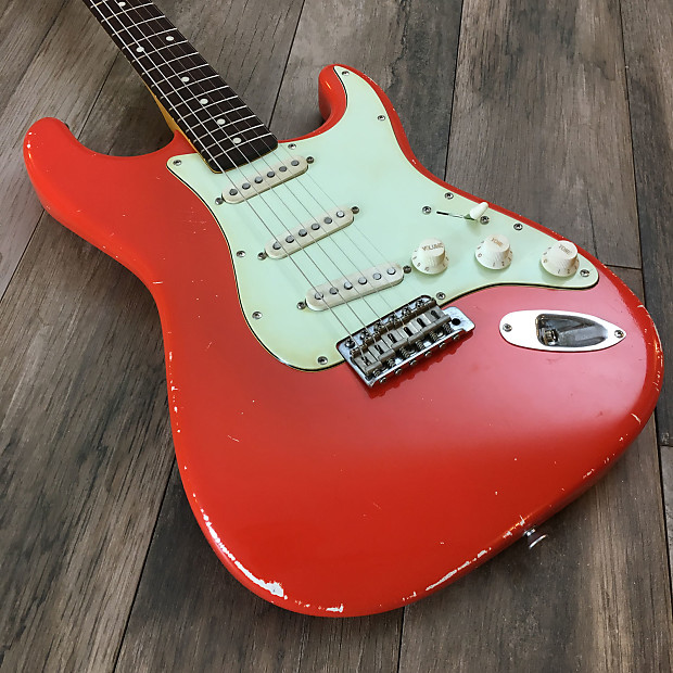 GUITAR Stratocaster Type FIESTA RED Relic Aged Nitro Red