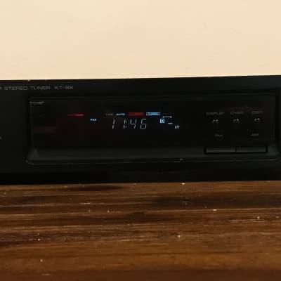 Kenwood KT-89 FM/AM Stereo Tuner Quartz Digital Timer Clock Tested