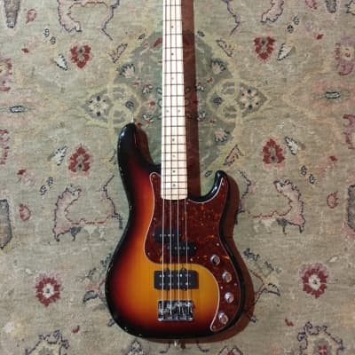 Fender USA Precision Bass Deluxe 2007 3 tone sunburst for sale
