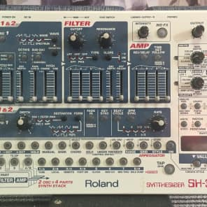 Roland SH-32 Synthesizer
