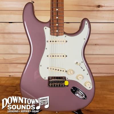 Fender Vintera '60s Stratocaster Modified - Burgundy Mist Metallic - with Gig Bag