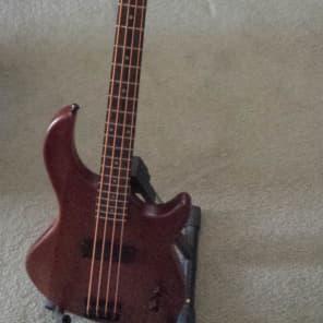 Dean Edge 09 4-String Bass Guitar Satin Natural