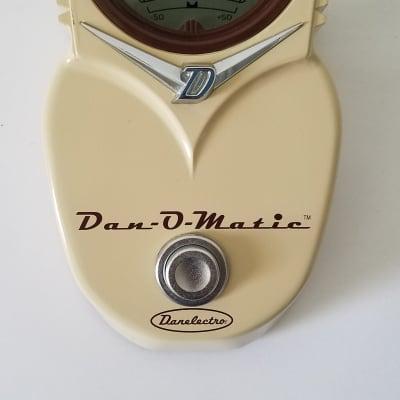 Danelectro DT-1 Dan-O-Matic Tuner