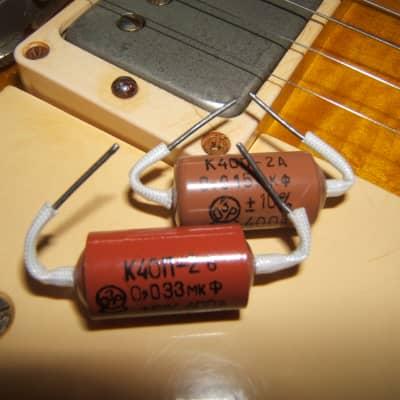 PIO Soviet Guitar Tone Capacitor Pair for Les Paul,  .015MFD/.033MFD
