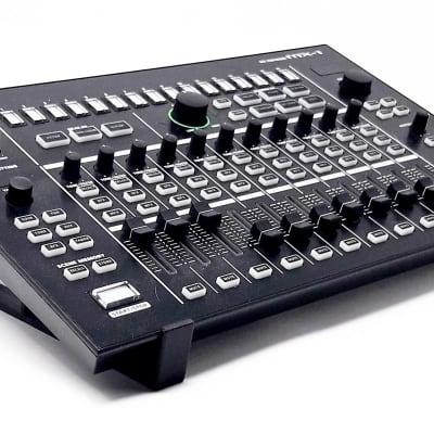 3DWaves Stands For The Roland TR-8 Drum Machine