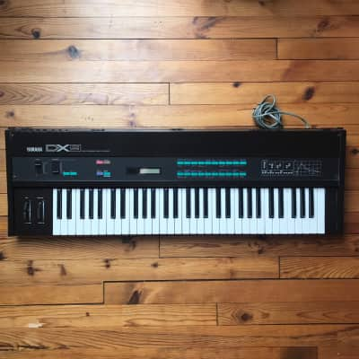 vintage Synthesizer Yamaha DX9 von 1983 Spin-Off Version des DX7!