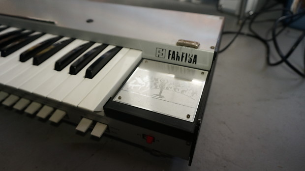 farfisa syntorchestra string synthesizer rare mono synth reverb. Black Bedroom Furniture Sets. Home Design Ideas