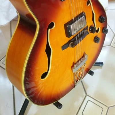 Vantage 665 Semi Acoustic 2004 Sunburst for sale