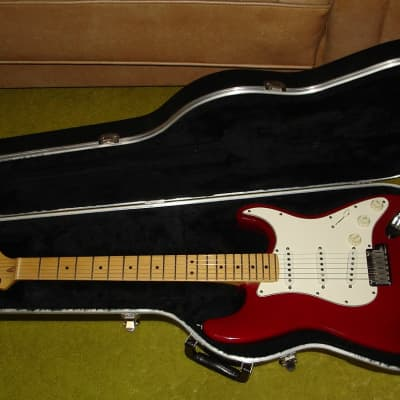 1995 Fender American Standard Stratocaster with Case...Made in USA for sale