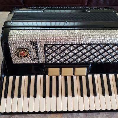 """Scandalli  17"""" keyboard 2/4 reed Italian NICE"""