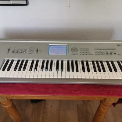 Korg Triton 61  61-key workstation synthesiser