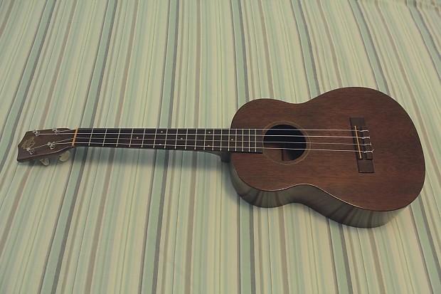 favilla baritone ukulele 1950 60s natural mahogany reverb. Black Bedroom Furniture Sets. Home Design Ideas