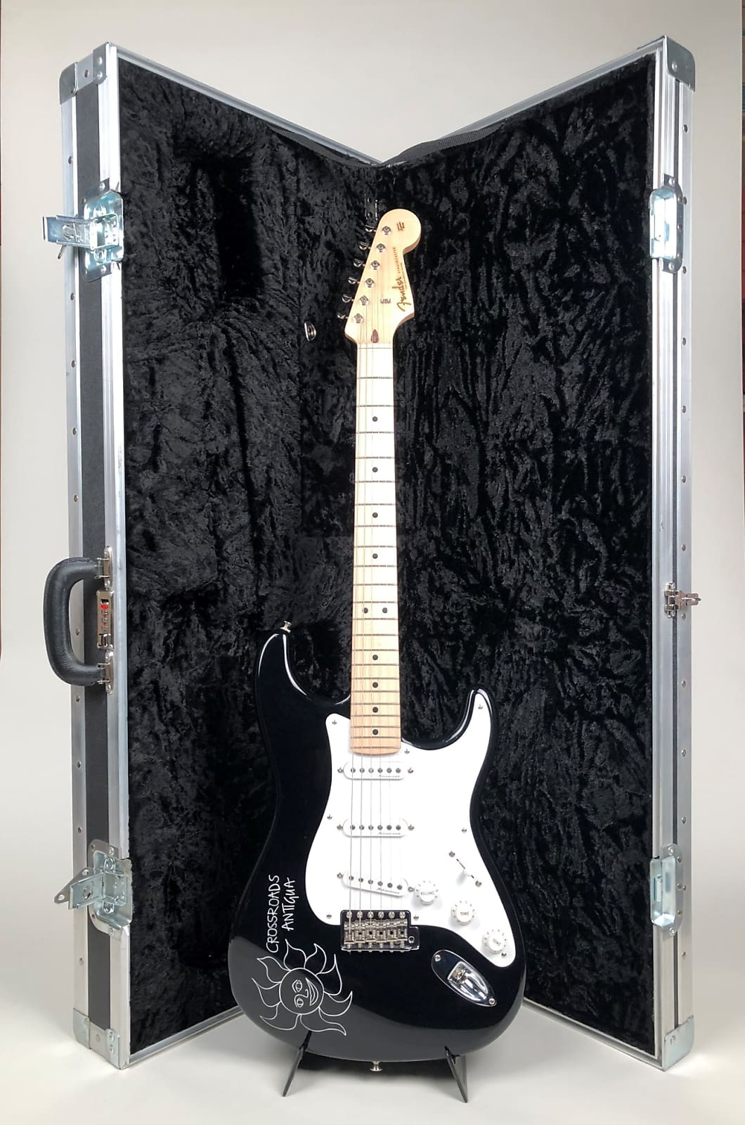 Eric Clapton Fender Crossroads Premium Platinum Package with Guitar, Case & Amp