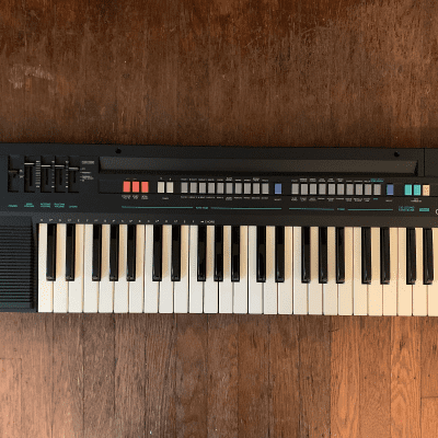 Casio CT-370 Casiotone 49-Key Synthesizer