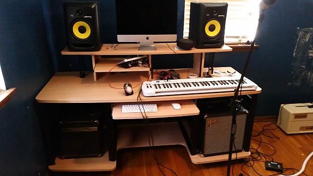 Studio Producer Desk : studio rta producer station natual reverb ~ Russianpoet.info Haus und Dekorationen