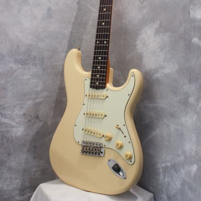 Fender Japan '62 Stratocaster ST62-66DMC Vintage White 2006 for sale