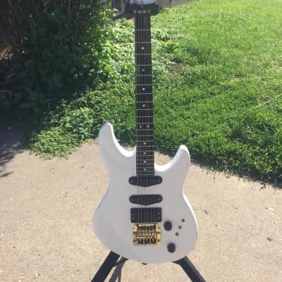 Peavey Impact 1 (1980s, Alpine White, USA) for sale