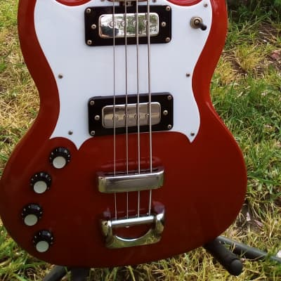 Vintage and unique Eko Indy bass lefty 1970 red