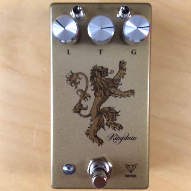 Foxpedal Kingdom Vintage Style / Antique Gold transparent Klon-style overdrive amp boost pedal image