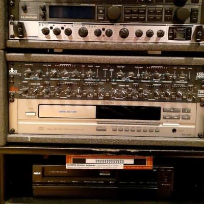 dbx 1066 stereo compressor/peak limiter