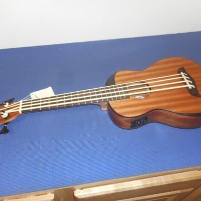 Oscar Schmidt OUB200-M Bass