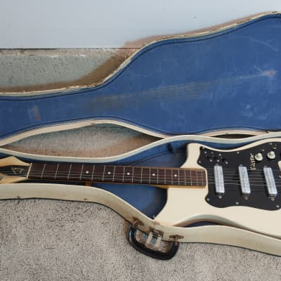 Vintage 1960s Alamo Fiesta Ryder Electric Guitar White Red Clean 3PU Case Very Clean guitar for sale