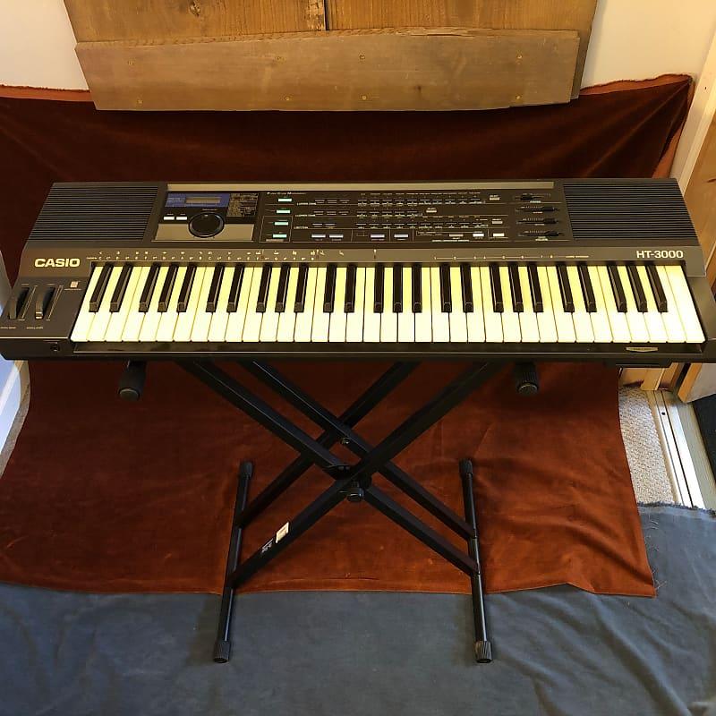 Casio HT-3000 Vintage 61-Key Digital MIDI PCM Synthesizer Keyboard c. 1980s