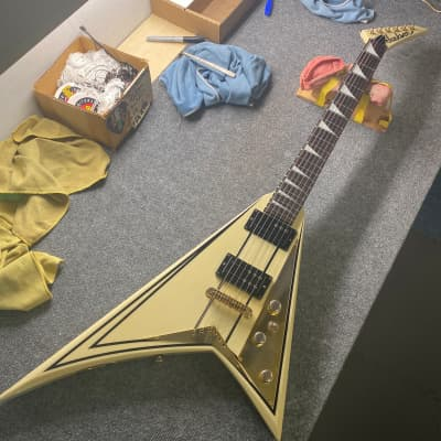 Jackson RR5 Randy Rhodes Hardtail Railhammer Pickups  white with OHSC for sale