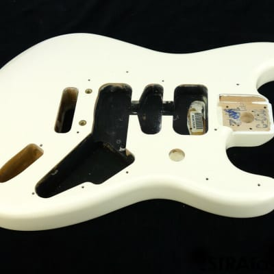 Fender Deluxe Roadhouse Stratocaster Strat BODY 2 Point, Contour Olympic White
