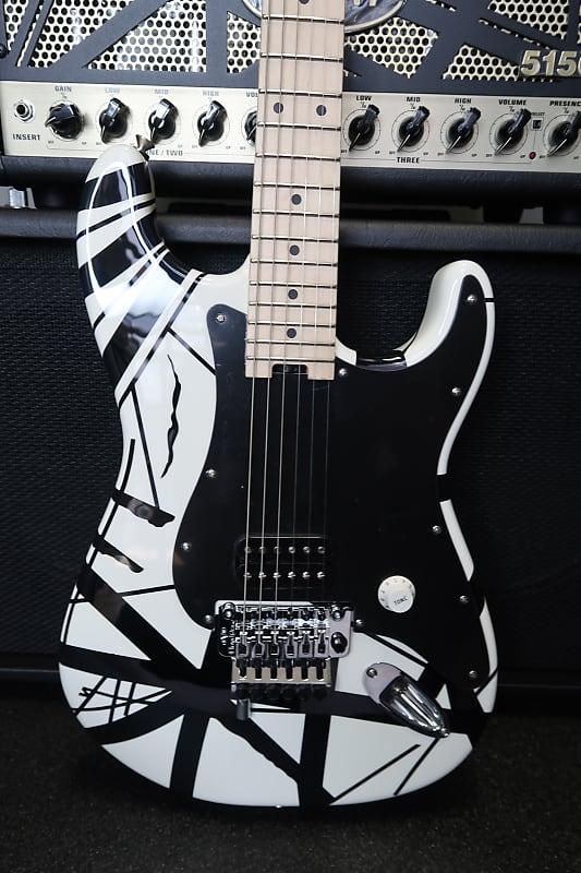 78eb88b96d5 EVH® Striped Series White with Black Stripes Electric Guitar
