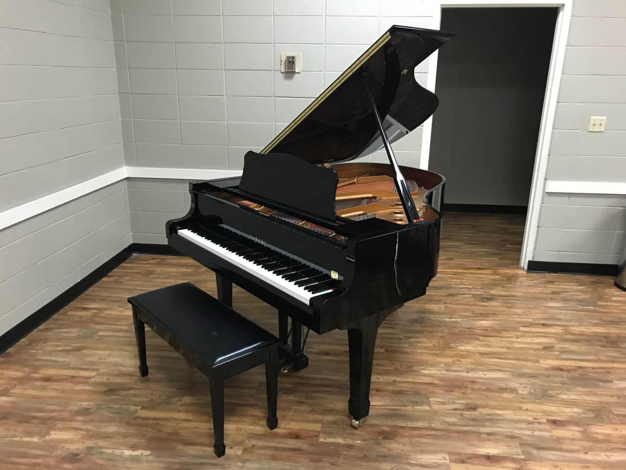 Yamaha baby grand piano conservatory c2 see notes reverb for Price of a yamaha baby grand piano