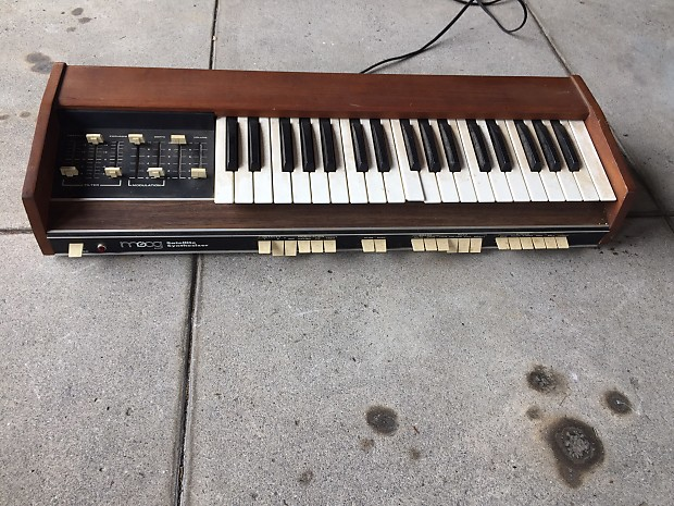 Moog Satellite Synthesizer 5330 Vintage Synth FOR PARTS OR REPAIR PROJECT