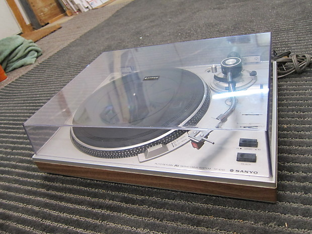 Sanyo TP-1010 Semi Auto Turntable, Strobe Light, Works Well, Sounds Good,  Japan Silver/Wood