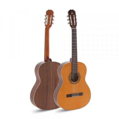Admira SEVILLA Student Series Cedar Top 4/4 Size Mahogany Neck 6-String Classical Acoustic Guitar