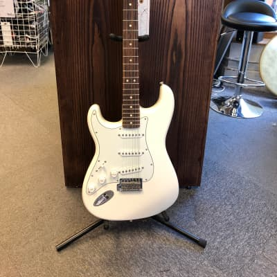 Fender Standard Stratocaster Left-Handed Arctic White for sale