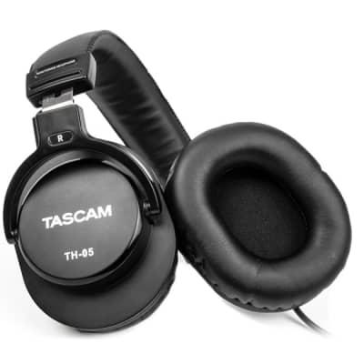 Tascam TH-05 Monitor Headphones