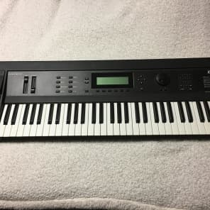 Kurzweil K2000 61-Key Digital Workstation Synthesizer