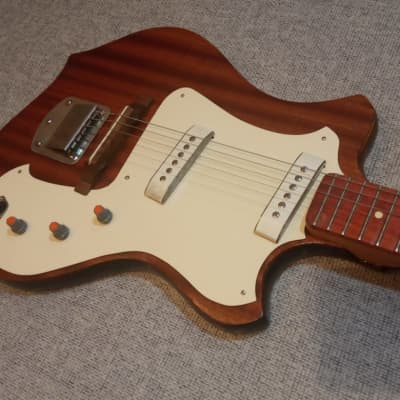 Moscow Experimental Factory Elgava Unika is a vintage electric guitar released in the USSR 1974 натуральный for sale