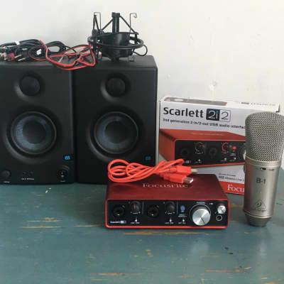 Focusrite Scarlett 2i2 (2nd Gen) Pro Tools First Recording