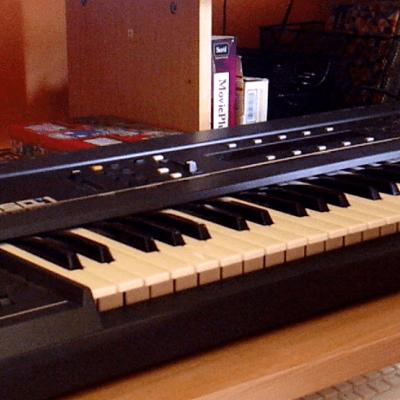 Ensoniq ESQ-1 Wave Synthesizer