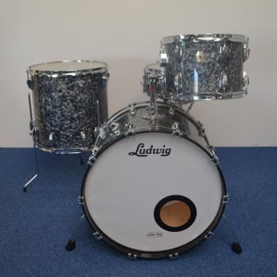 """Ludwig Classic Maple Fab 4 drumset 22""""-13""""-16""""-snare 14"""" x 5""""  2006 Black Diamond Pearl"""