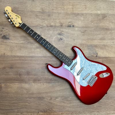 Squier Vintage Modified Surf Stratocaster 2010s Candy Apple Red
