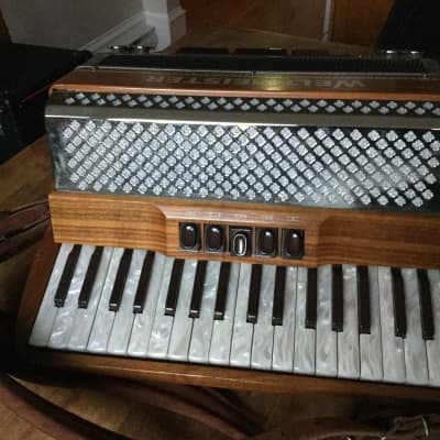 Weltmeister Monte 3/4 MMM Accordion Helikon Bass 2010 Natural Cherry Wood