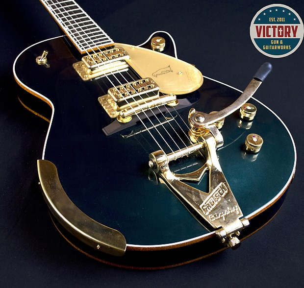 Jones Cadillac: Gretsch G6134T-CDG Limited Edition Penguin With TV Jones And
