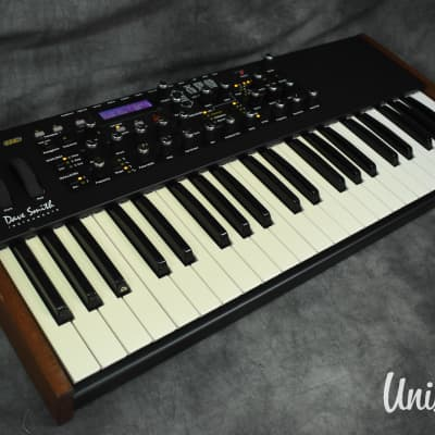 Dave Smith Instruments Mopho SE Analog Synthesizer in Excellent Condition