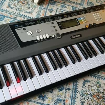 Yamaha keyboard EZ-200 Portatone with MIDI