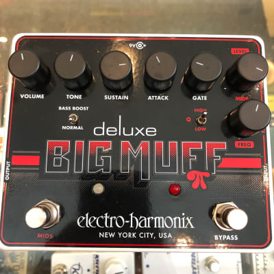 Electro-Harmonix Deluxe Big Muff Pi Distortion / Sustainer Pedal