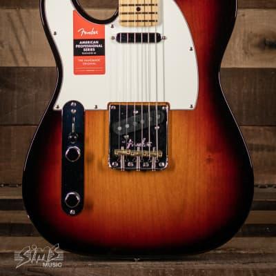 Fender American Pro Telecaster® Left-Hand, Maple Fingerboard, 3-Color Sunburst